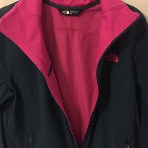 bc5d2c902 The North Face Women's Apex Byder softshell jacket NWT